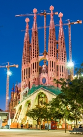 Sagrada Familia - Barcelona tijdens het blauwe uurtje