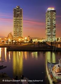 Barcelona_hafen_nacht.jpg