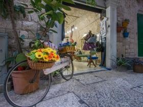 Nettes Geschäft in Bari