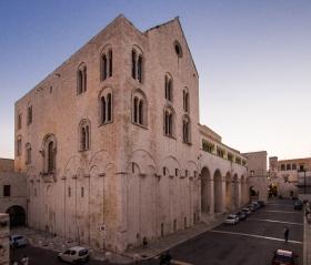 Basilika San Nicola - Rückseite