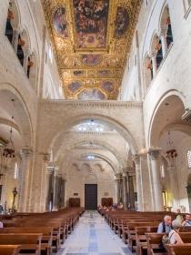 Basilika San Nicola - Innen