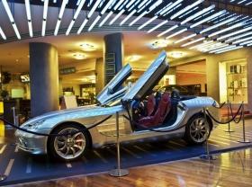 Berlin_Mercedes_SLR_Cabrio.jpg