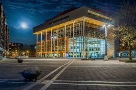 Centre Céramique - Bibliotheek van Maastricht bij nacht