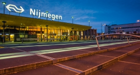 Station Nijmegen / Bahnhof Nimwegen