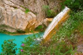 Polilimnio watervallen bij Charavgi