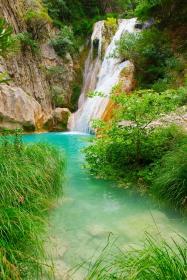 Polilimnio Wasserfälle bei Charavgi
