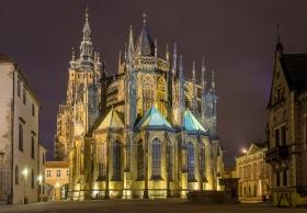 Sint-Vituskathedraal van Praag bij Nacht