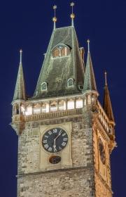 Turm vom Altstädter Rathaus bei Nacht