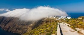 Santorini - Wolken over de caldera