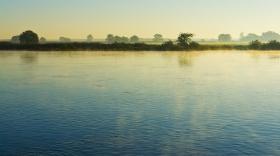 Elbe bei Tangermünde mit Morgennebel